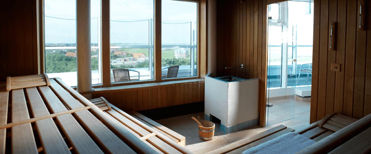 Sauna mit Blick auf Deich und Wattenmeer